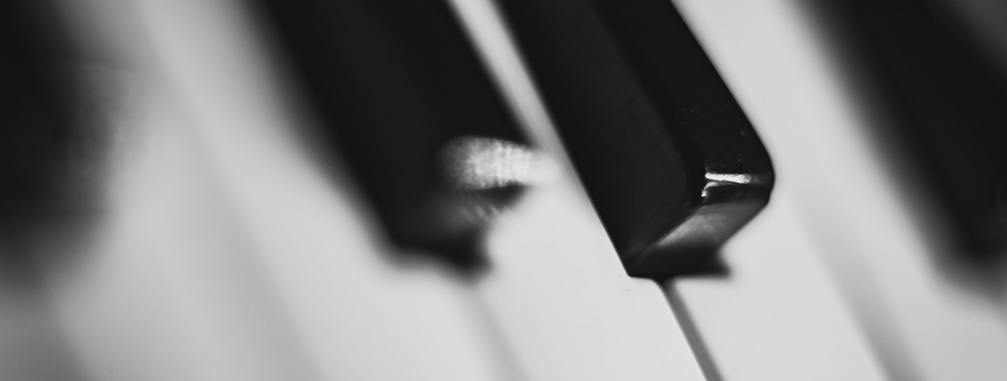 music-keys-piano-theme-colors